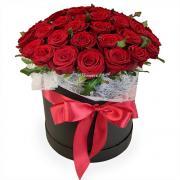 Круглая коробка с 51 красной розой