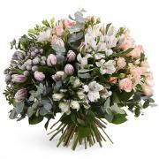 """Букет """"Казковий світ квітів"""" з фрезій, троянд і тюльпанів"""