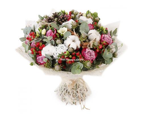 """Букет """"Утренняя улыбка """" из Фрезий, роз и хлопка"""