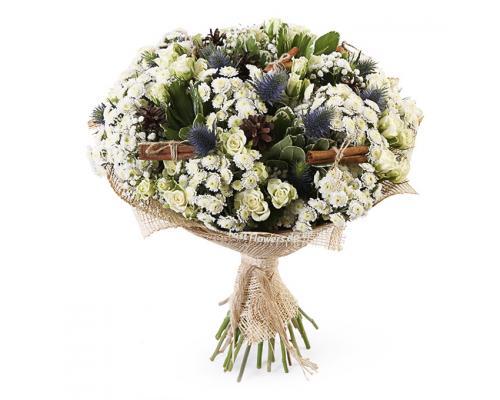 """Букет """"Пушистик"""" из хризантемы и розы"""