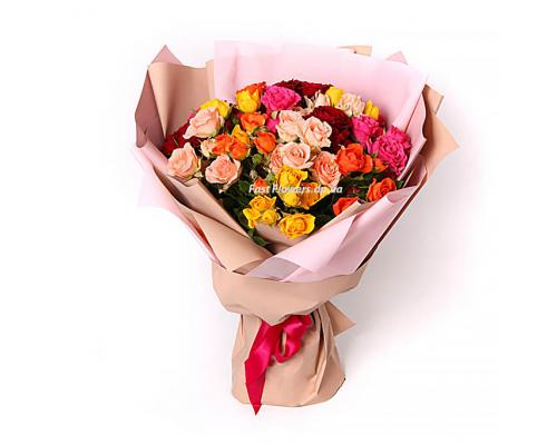 15 разноцветных роз спрей в букете радуга