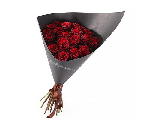 25 красных роз Гран-При в букете Стиль