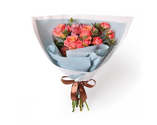 Букет коррал из 7 роз Мисс Пигги