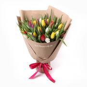 35 разноцветных тюльпанов в букете